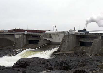 Att vattenkraftverk gör stor skada på vattenmiljön tycks inte föresväva socialdemokraten Stefan A Johansson.