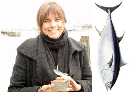 Isabella Lövin och en kollega i EU-parlamentet skriver att EU har möjlighet att själv rädda tonfisken.