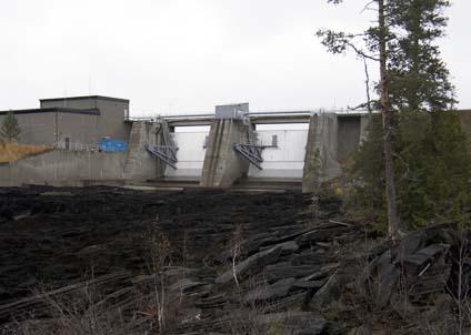 Stängda kraftverk, nolltappning – men Vattenfall har ingen lust att ställa upp i öppen debatt om sin policy.
