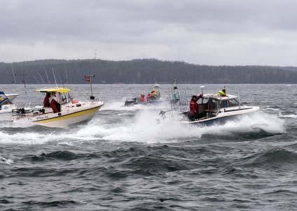 Många sportfiskare har snabba båtar – men slipper troligen att skaffa båtkörkort. (Foto: Svenne Andersson)