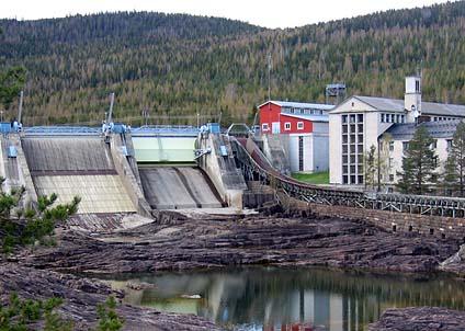 """Gamla kraftverk byggs om – elbolagen kallar det nybyggnad av """"grön"""" el och får miljoner i bidrag."""