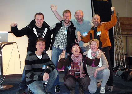 Hela FJ-gänget är på plats; Max o Mathias, Håkan och Martin förstås. David och så dom som håller ordning, Maria och Angelica.