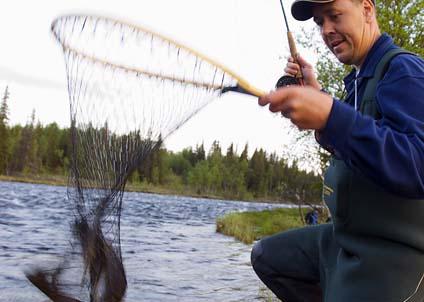 Satsån är ett av de fina flugfiskevatten som kursdeltagarna får stifta bekantskap med. (Foto: Magnus Ström)