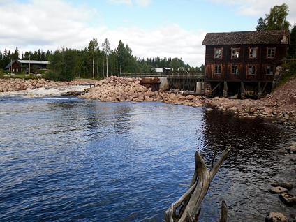 Älvräddarna kritiska till försöken att behålla kvarn och damm i Ore älv.