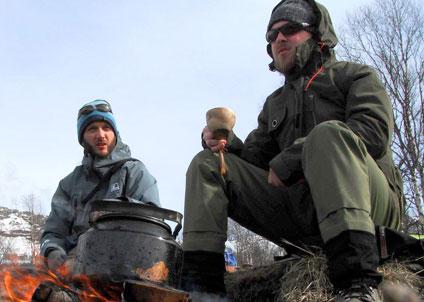 Fiskeguiderna Mattias Nilsson och Casper Sivén är nya ägare till Fiskecentrum.