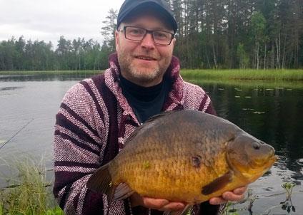 3 011 gram – så lyder gällande rekord för ruda. Fångades den 13 juni av Jonas Nylén från Umeå, som begett sig till Västmanländska Ursjön en välkänd sjö i rudasammanhang.