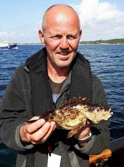 Morten Hvam är en hängiven sportfiskare, men har väl aldrig fått något helt okänt på kroken förut. Foto: Are Andersen